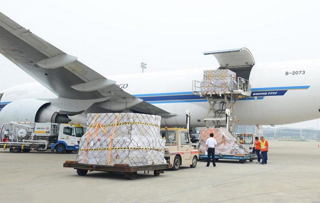 ận chuyển hàng không có nhiều loại cước phí