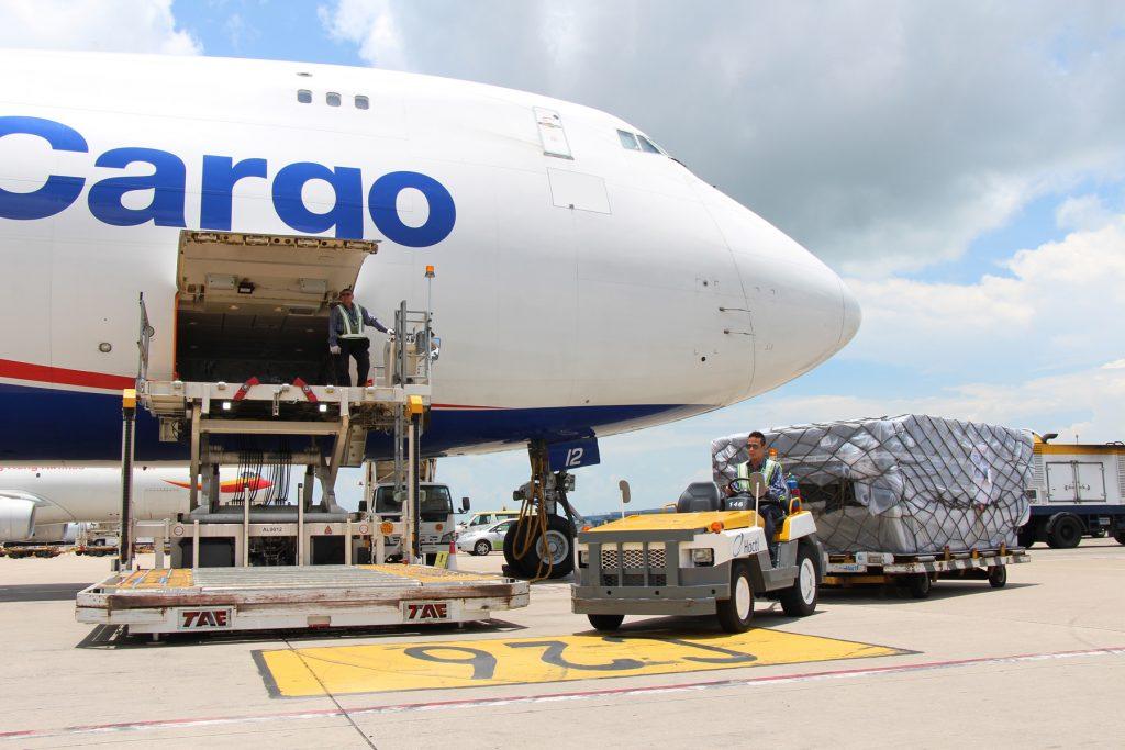 Vận tải hàng Bắc – Nam bằng đường hàng không rất nhanh và an toàn.