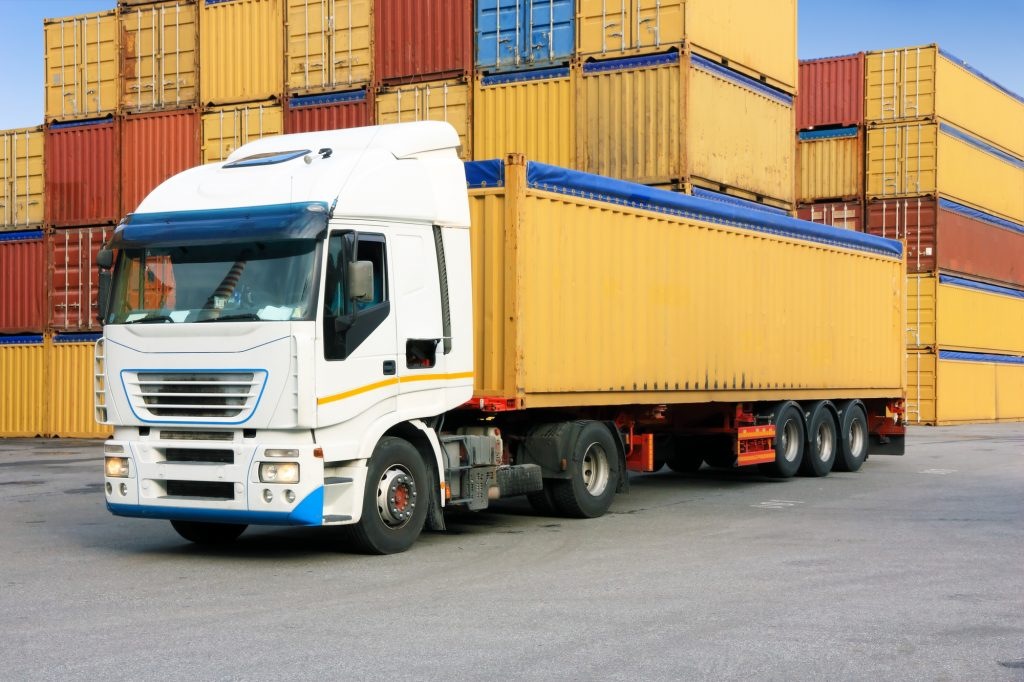 Chi phí vận tải hàng Bắc Nam bằng đường bộ có nhiều biến động.