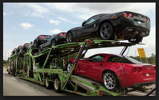 Vận chuyển xe ô tô trên xe tải chuyên dụng