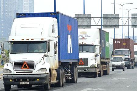 Chi phí vận chuyển ô tô từ Sài Gòn ra Hà Nội và ngược lại