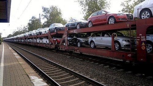Gửi xe bằng đường sắt có chi phí thấp hơn nhiều hình thức vận chuyển khác