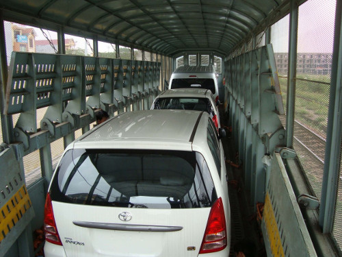 Thời gian vận chuyển ô tô bằng tàu hỏa có thể mất vài ngày