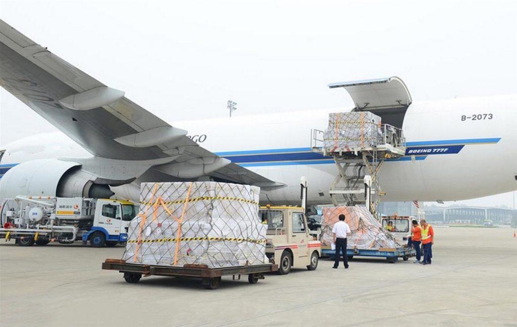 Vận tải đường hàng không đang phát triển mạnh mẽ